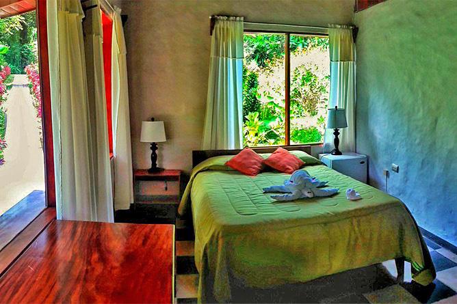 El Bosque Standard-Zimmer Doppelbett mit Schreibtisch