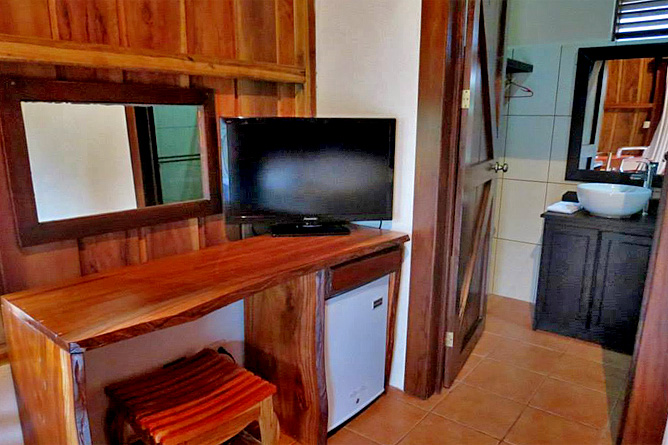 Arenal Montechiari Bungalow mit TV und Minibar