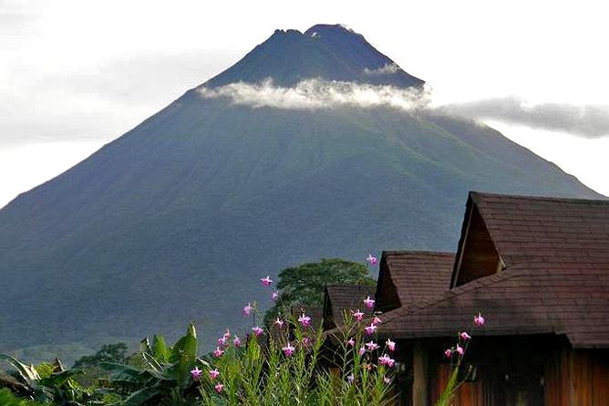 Arenal Montechiari Sicht auf Vulkan