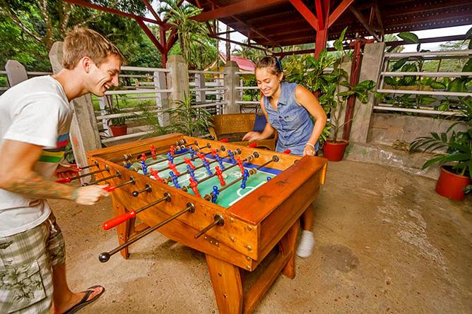 Country Inn Arenal Freizeitraum Tischfussball