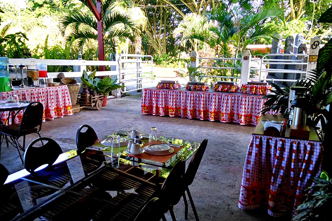 Country Inn Arenal Restaurant