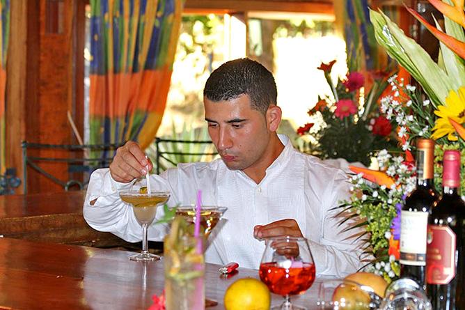 Fonda Vela Barkeeper
