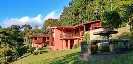 Fonda-Vela_Hotelanlage