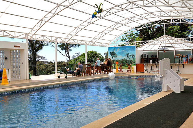 Fonda Vela Poolbereich
