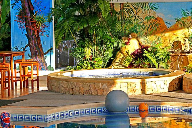 Fonda Vela Poolbereich Jacuzzi
