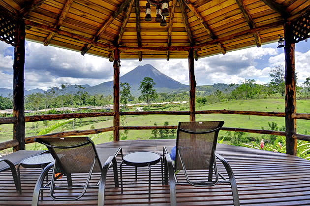 Manoa Arenal Spa-Terrasse mit Vulkansicht