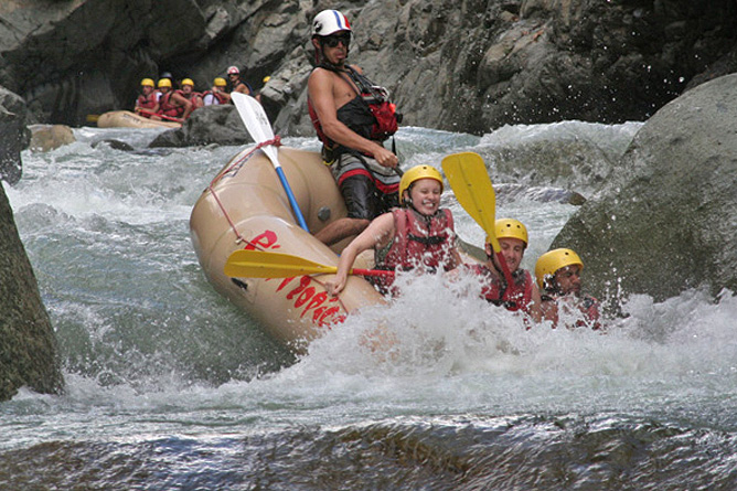 Rafting Tour – Sarapiqui-Fluss