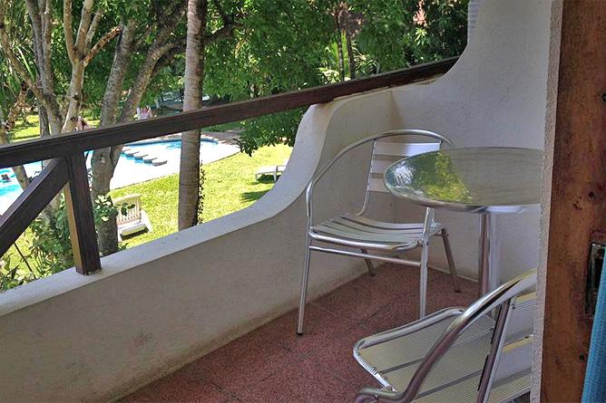 Samara Beach Balkon Tisch und Stühle
