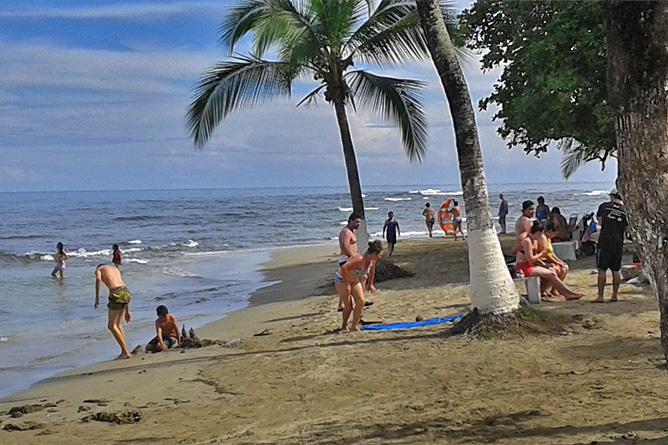 Fahrradfahren Südkaribik Strand Puerto Viejo