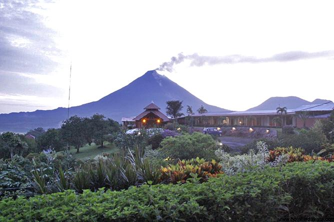 Linda Vista Arenal – Abendstimmung, Hotel und Vulkan