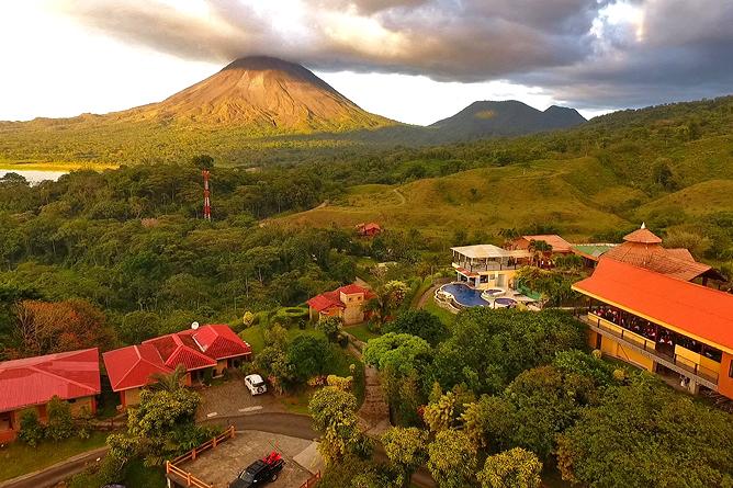 Linda Vista Arenal – Hotelanlage mit Vulkansicht