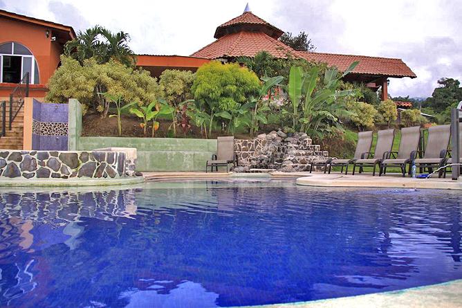 Linda Vista Arenal – Pool