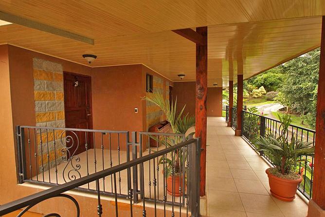 Linda Vista Arenal – Zimmer Korridor