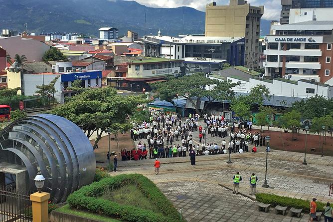 San José Nationalmuseum – Blick auf Plaza Democracia