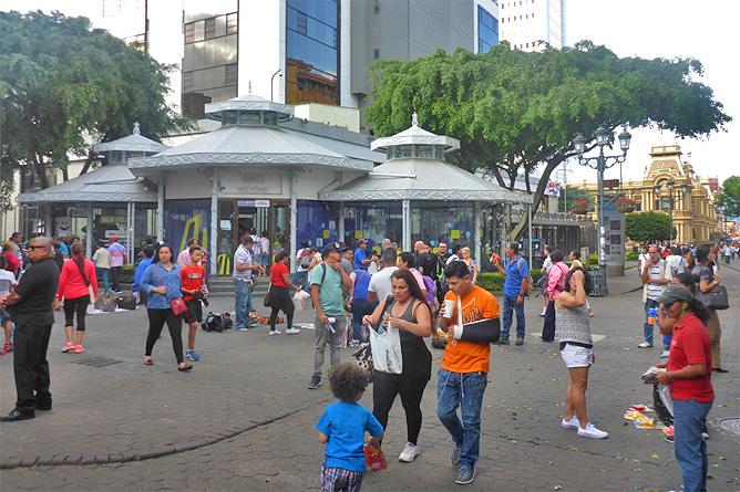 Sodas und Pulperías – Zentrum San José, Treiben