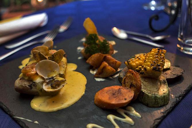 Ara Ambigua Restaurant Grillspezialitäten