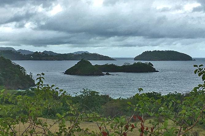 Bahia Esmeralda Playa Penca mit Blick auf Inselchen Chocoyas