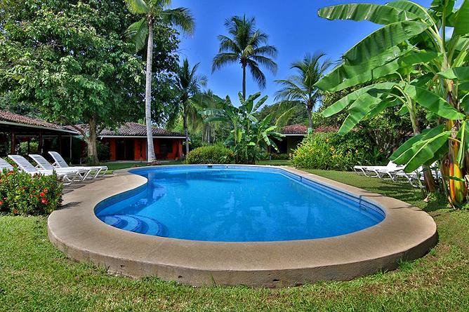 Bahia Esmeralda Swimming Pool