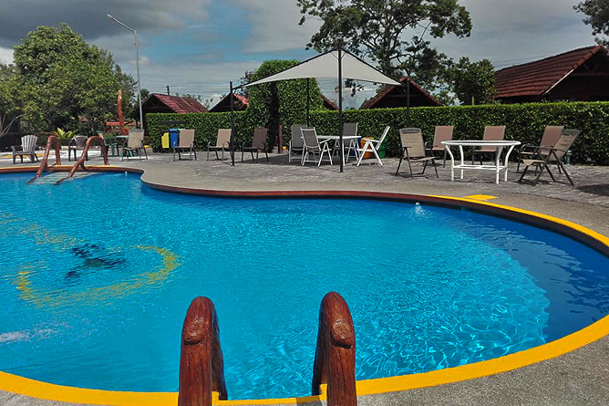 Cabanitas Arenal Pool