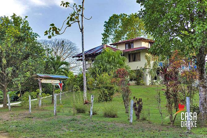Casa Drake Haupthaus und Grundstück