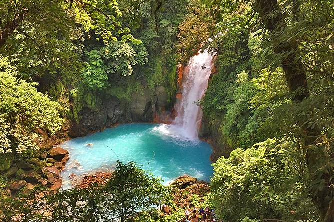 Casitas Tenorio Rio Celeste Wasserfälle