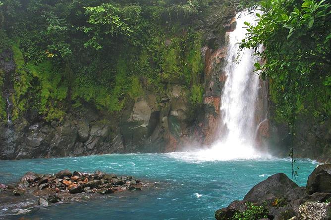 Cataratas Bijagua Rio Celeste Wasserfall