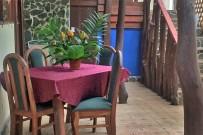 Chilamate_Jungle Haus Zimmer_Korridor mit Kuechenbenuetzung_15-12-2017