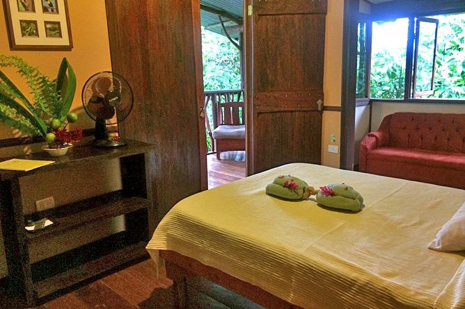 Chilamate Jungle Haus Zimmer Queen Bett