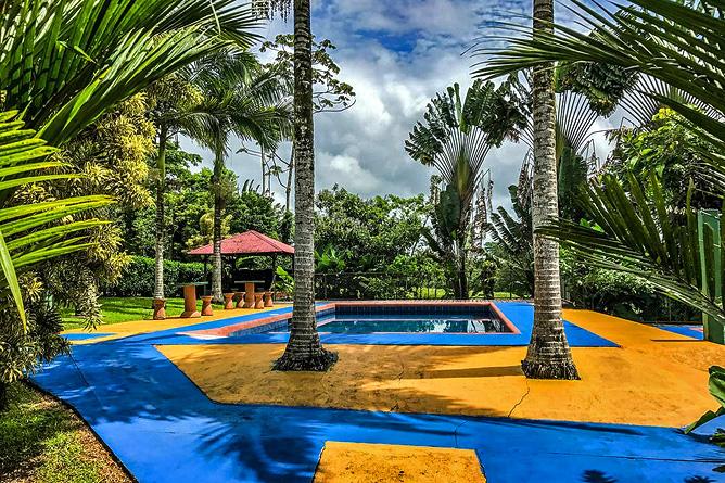 Faro Arenal Pool