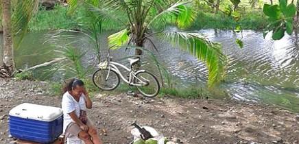 Pipas_Trinkkokosnuesse in Costa Rica_Verkaeuferin_Karibik_Christine 12-2017