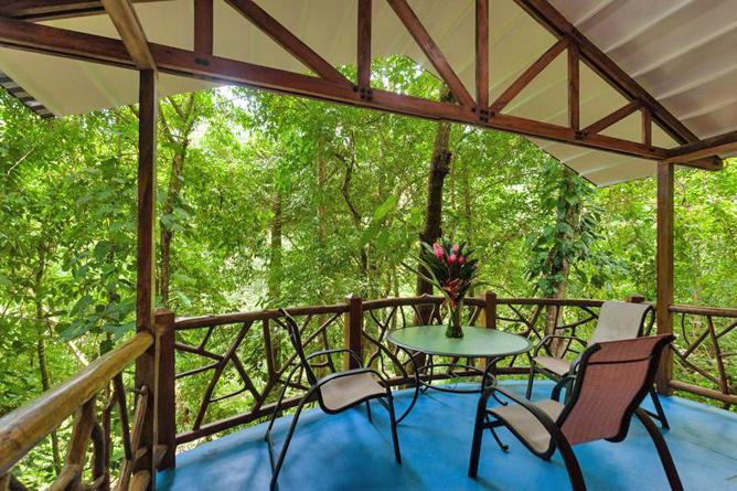 Portasol Rainforest Ocean View Living Bungalows Terrasse
