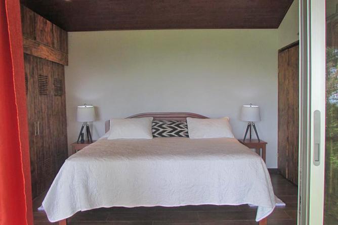 Portasol Rainforest Ocean View Living Casa Aracari King Bett