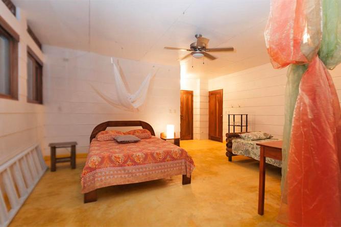 Portasol Rainforest Ocean View Living Casa Colibri Schlafzimmer Queen Bett