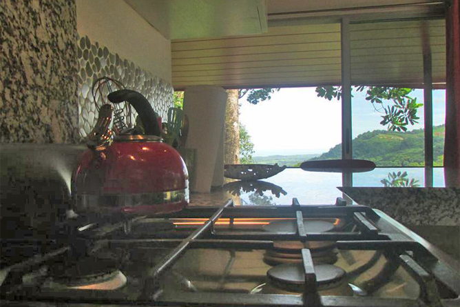 Portasol Rainforest Ocean View Living Casa Tucan Meersicht