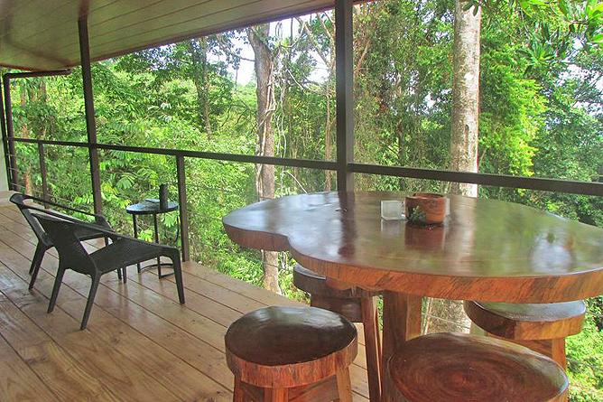 Portasol Rainforest Ocean View Living Ferienhaus Terrasse
