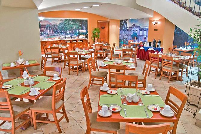 Sleep Inn Restaurant Frühstücksraum