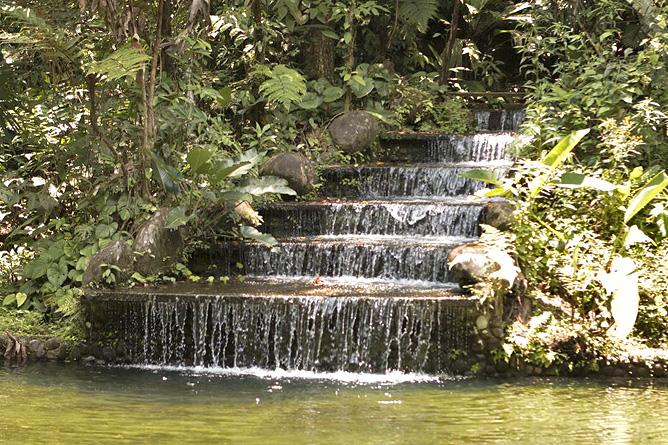 Sueno Azul Fluss Kaskaden