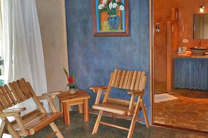 Sueños Celeste Hotelanlage Gästezimmer Sitzecke