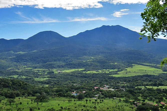 Sueños Celeste Vulkan Tenorio und Miravalles