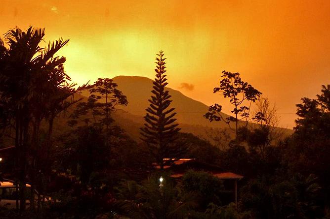 Sueños Celeste Vulkan Tenorio Sonnenuntergang