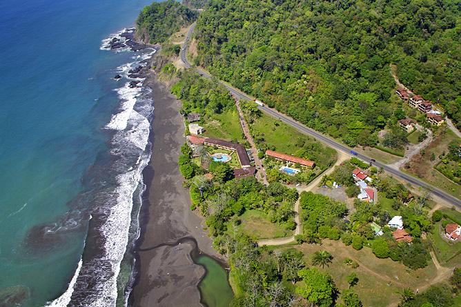 Terazza del Pazifico_Hotelanlage und Playa Hermosa_Flugaufnahme_05-12-2017