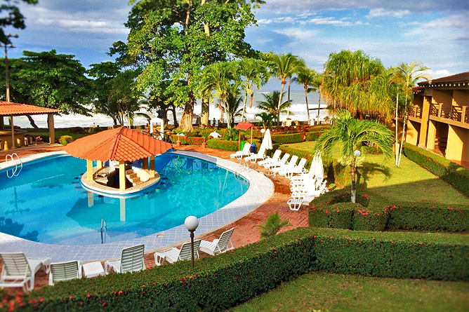 Terazza del Pazifico Hotelanlage und Pool