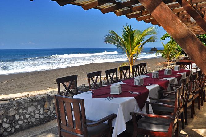 Terazza del Pazifico Restaurant mit Meersicht