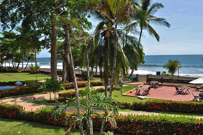 Terazza del Pazifico Strand und Gartenanlage