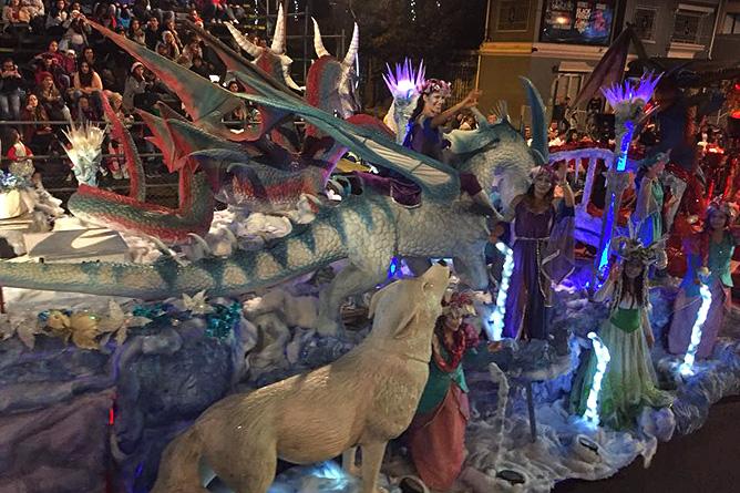 Weihnachten Costa Rica Festival de la Luz Lichterkarossen