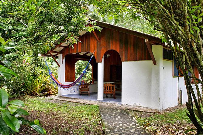 Cabinas Iguana Bungalow 4 Aussenansicht