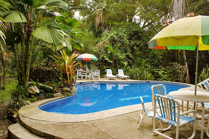 Cabinas Iguana Swimming Pool