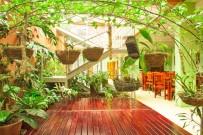 Las Colinas_Restaurant _begruenter Innenhof_17-4-18