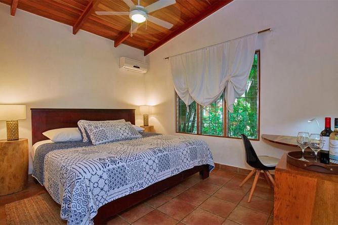 Living Nosara Standard Zimmer Doppelbett