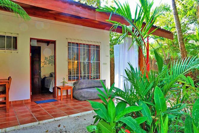 Living Nosara Standard Zimmer Eingang